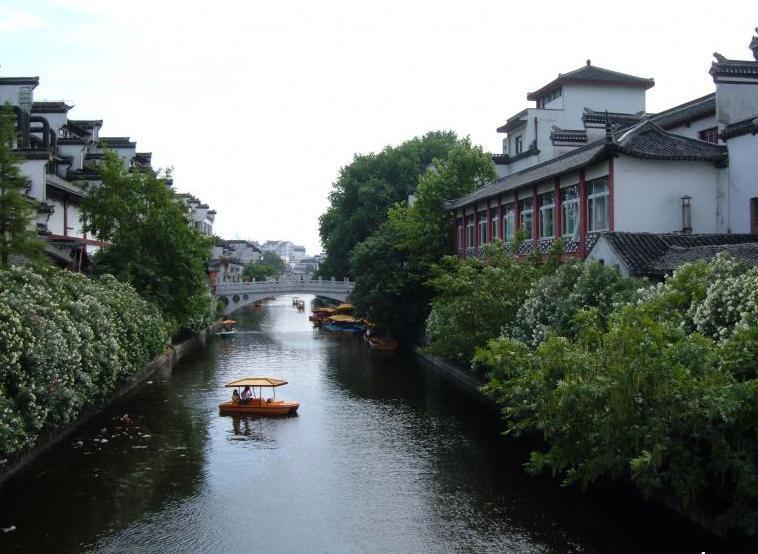 남경의 부자묘(夫子廟), 진회하(秦淮河)는 모조품이다.